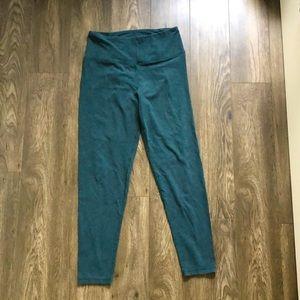 Lululemon high rise green legging size 8
